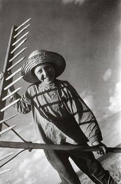 Школьник на поле - помощь колхозу