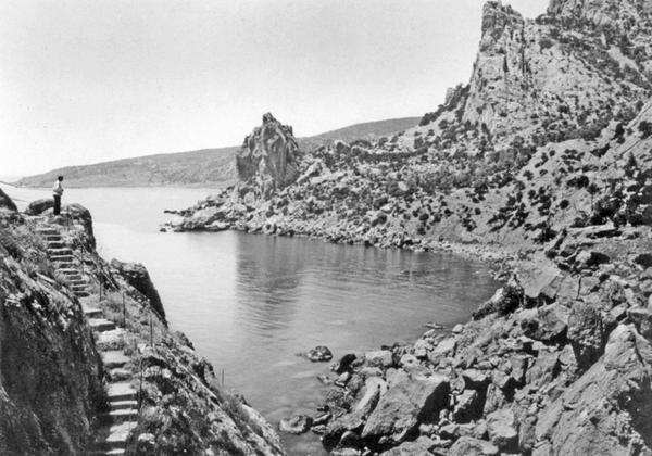 Симеиз. Вид со скалы Дивы на лиманский залив