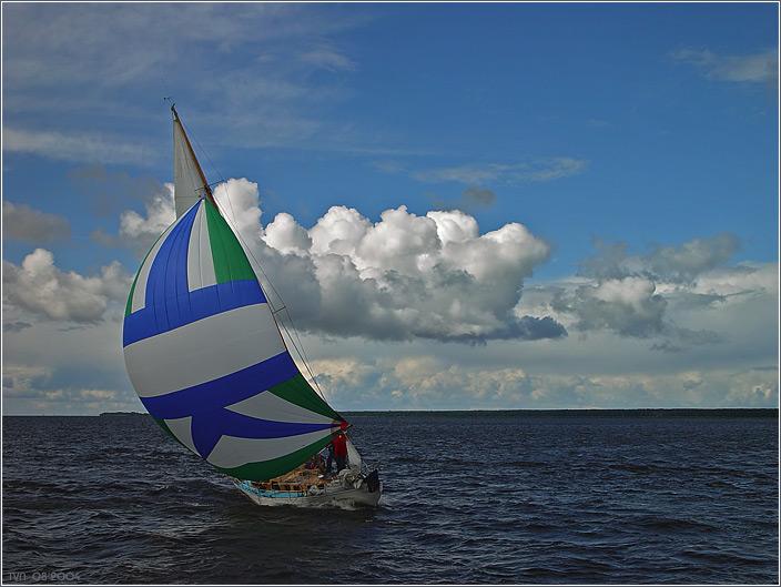 ветер надувает паруса картинка шильдик характеристиками