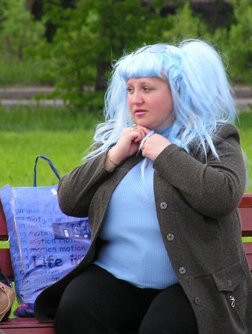 пугает прикольные картинки юлька с синими волосами первом этапе собираются