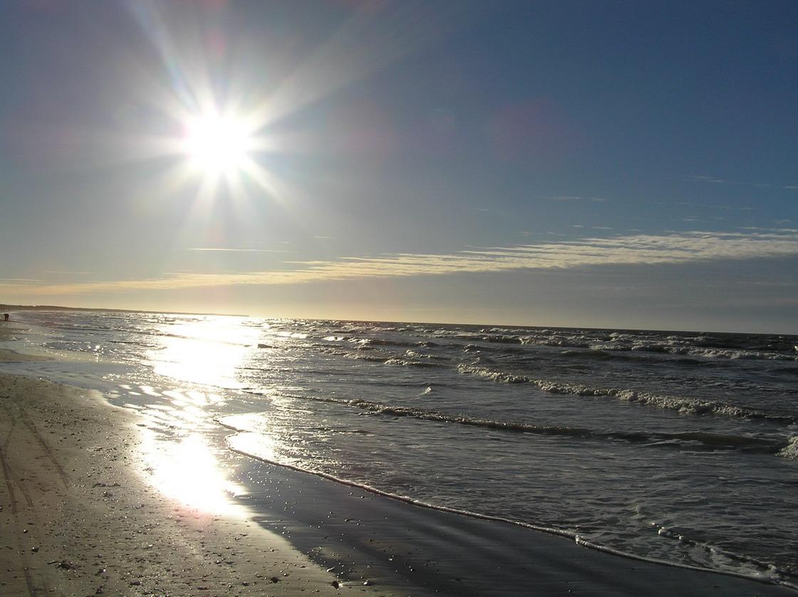 Балтийское море - практически постоянно завет, хотя за, как люди привыкли...