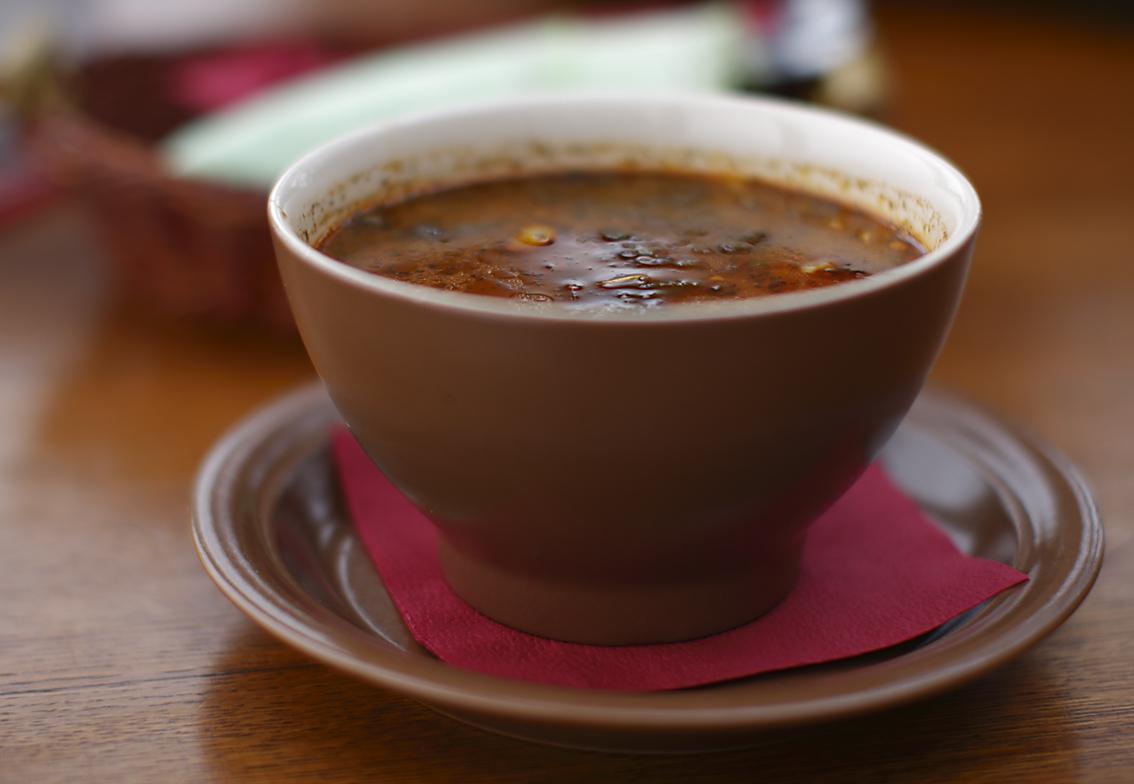 На нашем сайте рецептов можно найти все про рецепты супов из говядины
