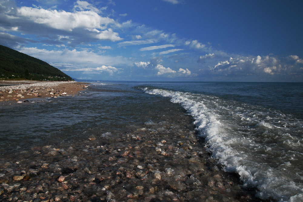 Серия: Абхазия.июль 2007. море,горная река и птица в облаках.  Вин-Дит.