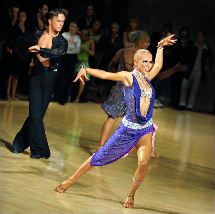 В юбилейных соревнованиях выступят более 4800 пар участников из 63 регионов России и 9 стран мира.