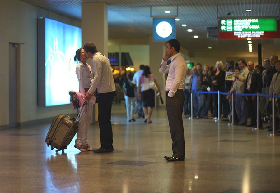Mr Alinda :: В аэропорту :: Любовь в городе :: Галерея :: Клуб Foto.ru