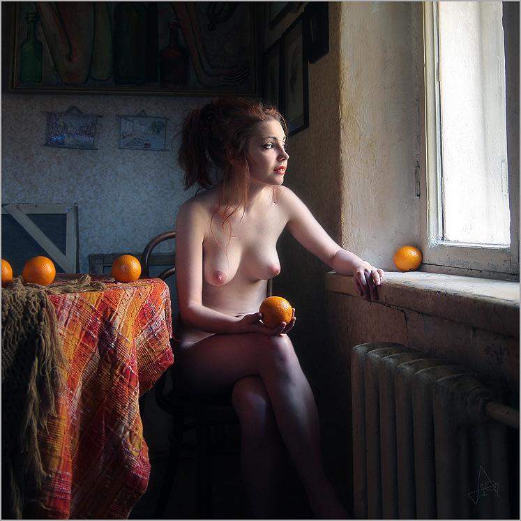 Фото ню окно