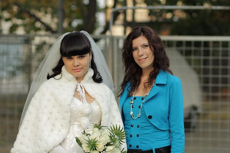 0. Невеста со свидетельницей. Свадебная фотография.