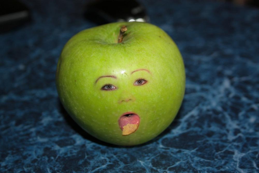 Яблочные картинки смешные, открытка