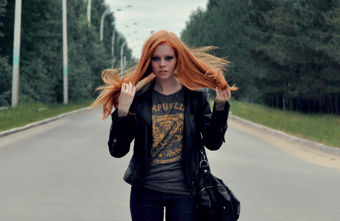 Фото картинки девушек рыжих и блондинок, ебут хорошенькую девчонку