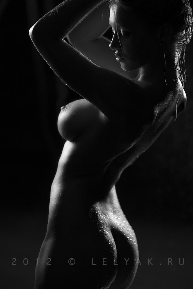 чернобелое фото голая