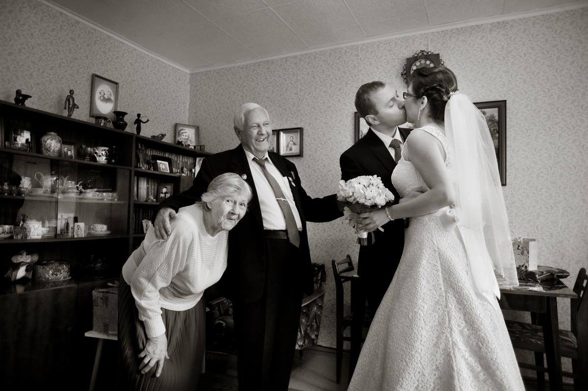 внучка вышла замуж поздравить