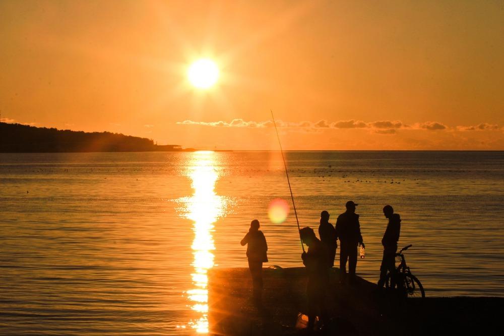 карта глушицы картинки люди встречают морской рассвет отель предоставляет