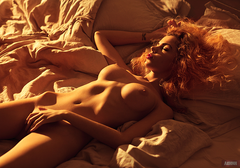 Erotic galleries and erotic videos for
