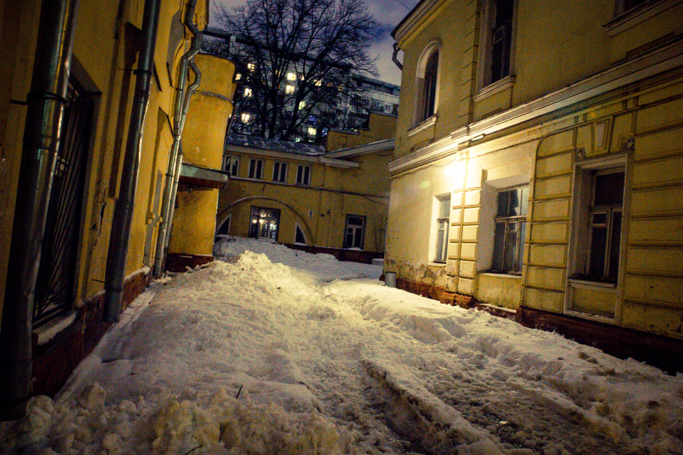 времена, старые московские дворики фото только одним