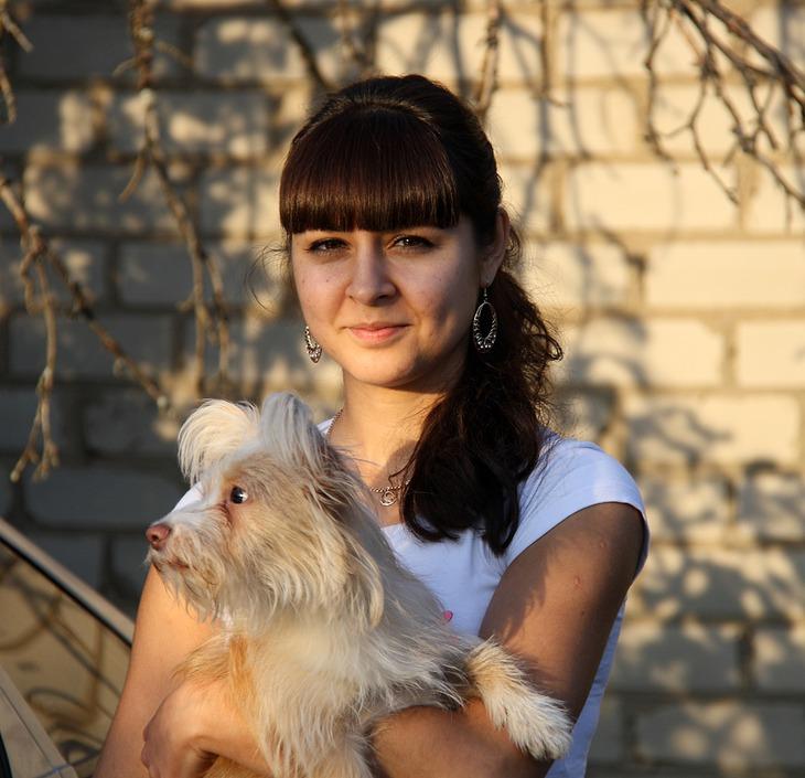 Фото девушки с собачкой 3 фотография