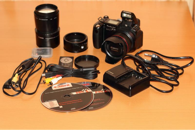 Canon.  Цифровой компактный фотоаппарат с несменной оптикой.  Хорошее.